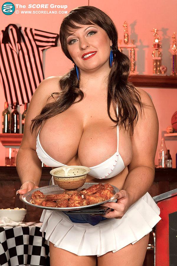 Sexy waitress Ange Gee show us her huge tits Scoreland