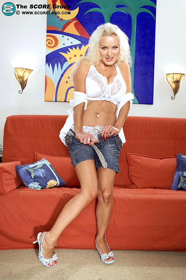 Horny Sharon Scoreland.com