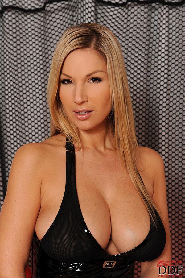 Carol DDFbusty.com