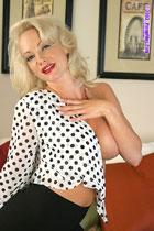 Barbara Moore PinupFiles.com