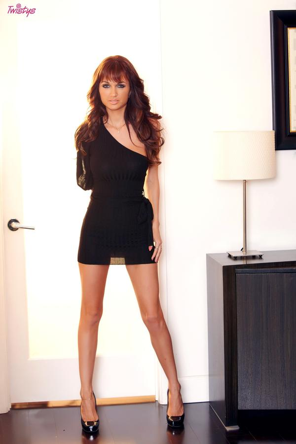 Roxanne Milana horny MILF in hot black dress