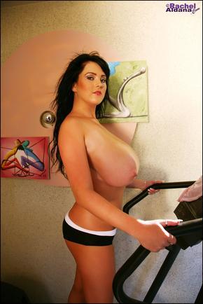 Rachel Aldana sweats her pussy off